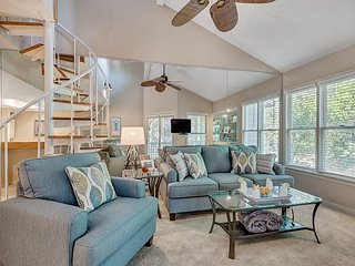 Completely updated with tree top views from the screened porch - Miramar Beach vacation rentals