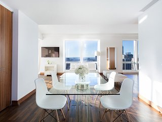 Midtown Jewel (G), 2 or 3 BR 2.5 BA Near 5th Avenue, Downtown, Sleeps 8 - New York City vacation rentals