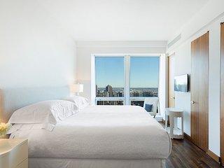 Breathtaking 6/7 Bedroom 6.5 Bathroom Apartment Near 5th Ave, Downtown, Sleeps20 - New York City vacation rentals