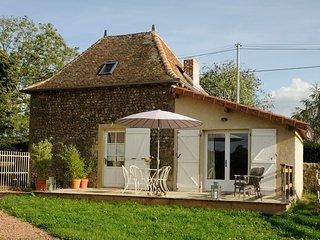 Peas&Love -  Charmante maison à la campagne - Saint-Julien-de-Jonzy vacation rentals