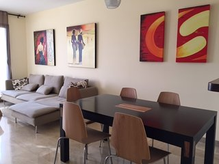 Amazing Apartment Duquesa Village - Puerto de la Duquesa vacation rentals