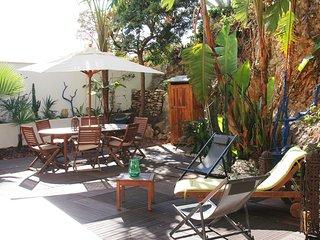 Large Jardin arboré - Appartement 3 pièces - Nice vacation rentals