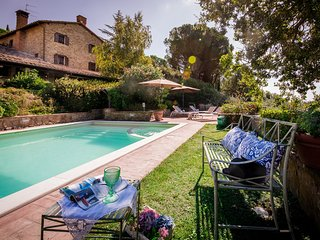 Proveda, Ravishing lakefront villa with pool - Passignano Sul Trasimeno vacation rentals