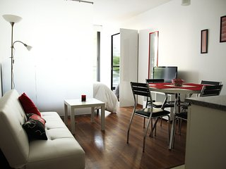 Perfect Studio with Internet Access and A/C - Montevideo vacation rentals