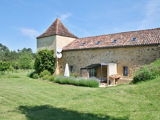Charming Gite with Internet Access and Washing Machine - Sainte-Foy-de-Belves vacation rentals