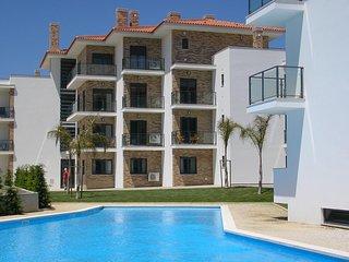 JC AG -São Martinho do Porto - Outstanding 2 bedroom apartment with shared pool. - Sao Martinho do Porto vacation rentals