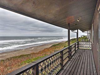 NEW! Inviting 6BR Depoe Bay House w/Ocean Views! - Depoe Bay vacation rentals