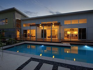 Bright 4 bedroom House in Casuarina - Casuarina vacation rentals