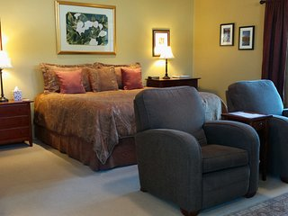 Luxurious Pyramid Suite by Red Rock Crossing - Sedona vacation rentals