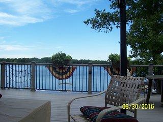 Lakefront cottage on scenic Hudson Lake - New Carlisle vacation rentals