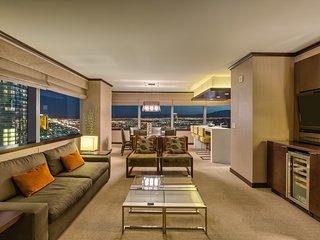 Biggest Penthouse at Vdara! 2+BR/ Stunning 270° Strip Views! Sleeps 7 42nd Floor - Las Vegas vacation rentals