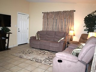 Close to U of A: 3 BDRM, 2 BATH ENTIRE HOUSE- FREE WiFI, PARKING. Easy Downtown - Tucson vacation rentals