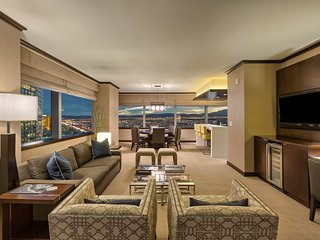 Vdara's Biggest Penthouse! 2+BR/ Stunning 270° Strip Views! Sleeps 7! 45th Floor - Las Vegas vacation rentals