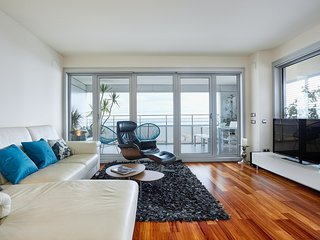Luxury Penthouse Beach View (2BR) - Barcelona vacation rentals