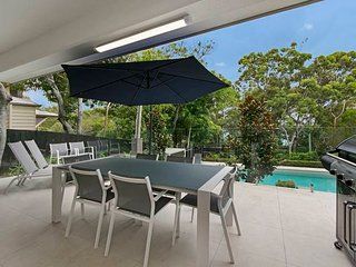 Little Cove Beach Apartment | HEADLAND LOCATION | FOREST SETTING | by Getastay - Noosa vacation rentals
