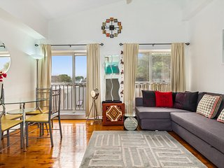 Loft Style Apartment minutes walk from the city - Sydney vacation rentals