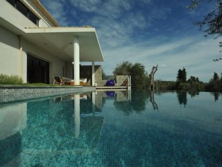 Nice Villa with Internet Access and Television - Le Rouret vacation rentals