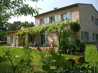 Beautiful Villa with Internet Access and Balcony - Roquefort les Pins vacation rentals