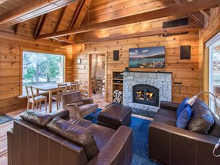 3BR, 2BA Lake Tahoe Cabin For Year-Round Fun – Private Beach & Pier - Tahoma vacation rentals