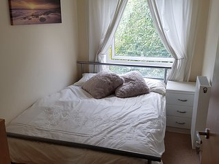 Small double room in Bristol apartment - Bristol vacation rentals