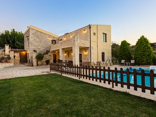Villa Satra - Traditional Villa with Large Pool - Rethymnon vacation rentals