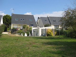 Quiet - Seaside villa, private indoor heated pool - Moelan sur Mer vacation rentals