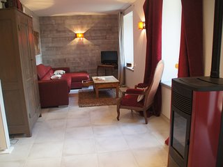 Bright 2 bedroom Apartment in Tence with Internet Access - Tence vacation rentals