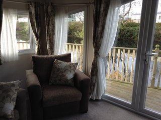 2 Bedroom Lakeside Holiday Home. Ideal for Couples - Ludchurch vacation rentals