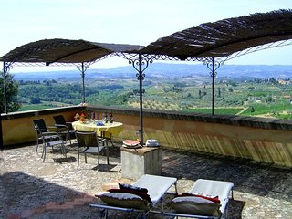 Grand Villa with Private Pool Overlooking Tuscan Vineyards - Villa Giusi - Certaldo vacation rentals