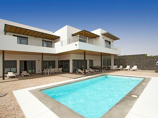 Lovely 5 bedroom Vacation Rental in Puerto Calero - Puerto Calero vacation rentals