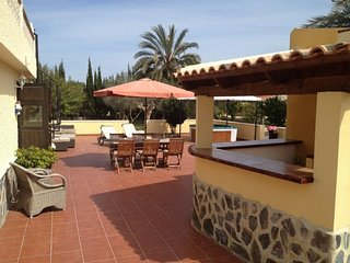 Charming villa with jacuzzi and private pool, private plot of 2000M2 - La Marina vacation rentals