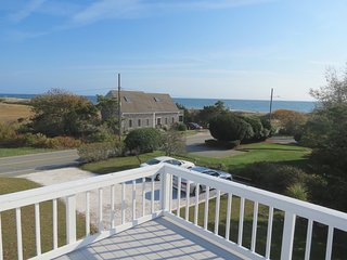 Modern Cape Beach House, 1 minute walk to Red River Beach in Harwich Port: 022-H - Harwich vacation rentals