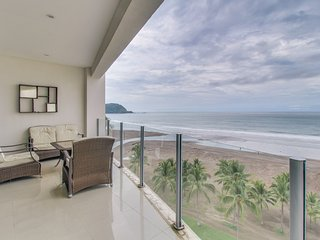 Bright Condo with Internet Access and A/C in Jaco - Jaco vacation rentals