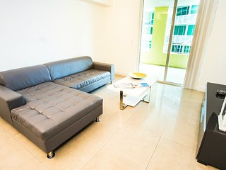 Incredible Views + Full Amenities! Large 2/2 in the HEART of DT! Book Now - Miami vacation rentals