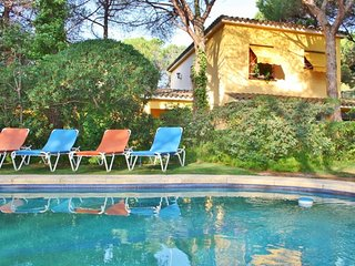 CM431 - Enjoy the pool surrounded by nature! - Cabrera de Mar vacation rentals