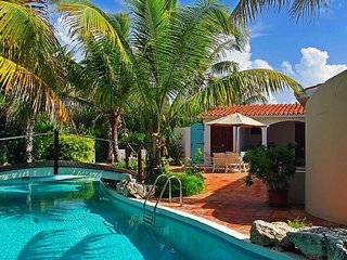 L'embellie Villa - Ideal for Couples and Families, Beautiful Pool and Beach - Crocus Hill vacation rentals