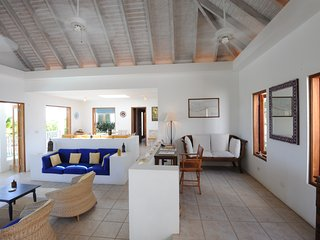 Panarea Villa - Ideal for Couples and Families, Beautiful Pool and Beach - Savannah Bay vacation rentals
