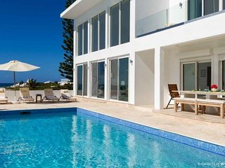 Villa Vista - Ideal for Couples and Families, Beautiful Pool and Beach - Blowing Point vacation rentals