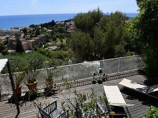 Vue mer/Large Terrasse -Parking - 5min Monaco - Roquebrune-Cap-Martin vacation rentals