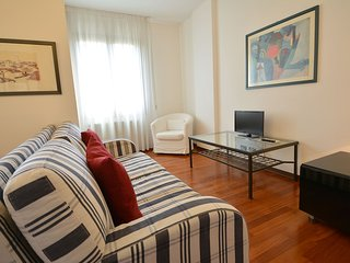 EDITH downtown in 15 minutes, private park, aircond, wifi, 2 bed, 2 bath, 4 pax - Venice vacation rentals