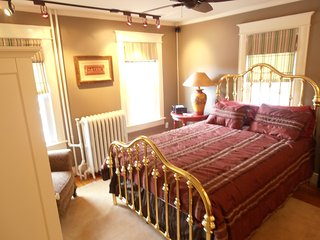 LOCATION,LOCATION,,LUXURY,WALK TO CITY ,PARKING. Annapolis, MD - Annapolis vacation rentals