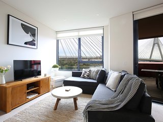 Anzac Bridge views - Sydney at your doorstep - Sydney vacation rentals