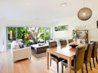 Bask in tranquility in this modern garden hideaway - Lane Cove vacation rentals