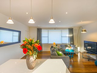 Explore Sydney's Coast - enjoy hidden Gordons Bay - Coogee vacation rentals