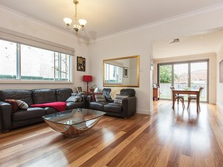 Multicultural hub, vibrant community close to city - Marrickville vacation rentals