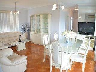 Light, bright, luxury walk to beach - Brighton le Sands vacation rentals