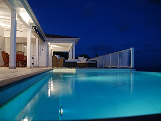 Villa Henson 2 Bedrooms Heated Pool Spa Sunset Views A/C whole house. - Colombier vacation rentals