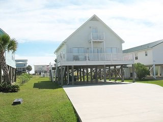 Beautifully decorated beach house w/private pool & easy access to the beach - Gulf Shores vacation rentals