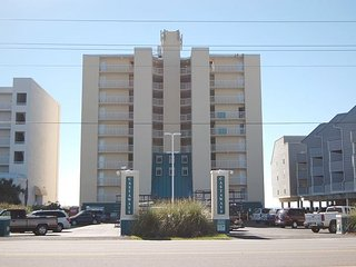 Castaways 3B: Beautiful 2BR/2BA Gulf Front Condo with gorgeous view of beach - Gulf Shores vacation rentals