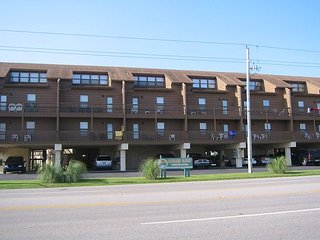 Ocean Reef 103:Beautifully decorated one bedroom, one bath condo on the beach - Gulf Shores vacation rentals